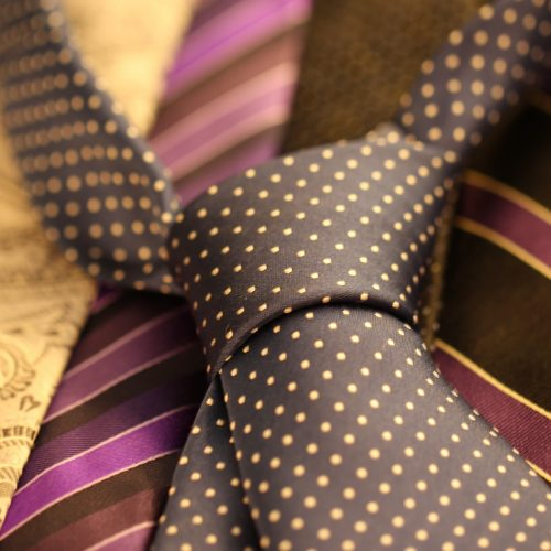 cravat-987584_1920