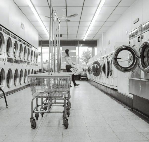 laundry-saloon-567951_1920-683x683